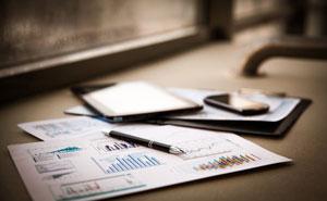 28日の主な動意銘柄―VテクやLINK&Mなど高値更新、昭シェルは急落