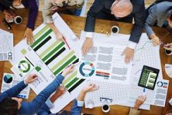 セゾン情報がストップ高で年初来高値を更新、上期業績予想の上方修正を好感
