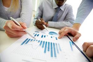 トライSTGは続急伸、17年2月期第1四半期は営業益7割増