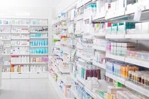アインHDは続急落、第1四半期の2ケタ減益を売り材料視