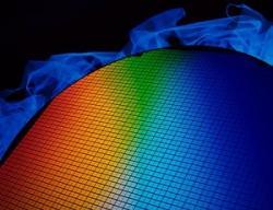 レーザーテクが急反騰で年初来高値、半導体関連の大口受注を好感