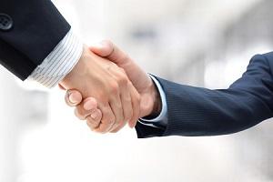 AMIは急伸、AB社との資本・業務提携を好感