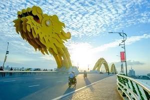 [ベトナム株]ユニクロのベトナム1号店、ドンコイ通りに出店