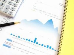 平田機工は続落も連続の最高業績評価と有機EL関連株人気、需給好転期待を支えに再騰有力