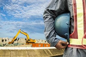 レントラックスは続急伸、中古建機の販売仲介事業