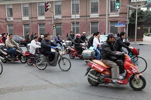 中国で大量普及している電動バイクが、日本ではあまり普及していない理由=中国メディア