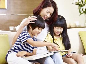 デジタル化が進む子供の読書スタイル 読み聞かせの効用を忘れないで=中国メディア