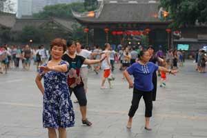 夜に「広場でダンス」ができない日本人女性は「幸福でない」=中国