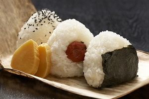 あらゆるものを包み込む、寿司にも負けない魅力をもつ日本の「おにぎり」=中国メディア