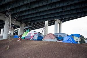 日本のホームレスは奇妙・・・どうしてあんなに清潔なのか=中国メディア