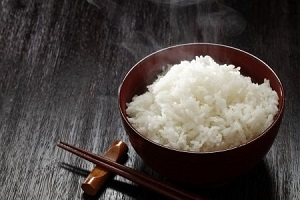 日本の炊飯器やお米を信奉する中国人、炊飯器も使わずお米も食べない日本の若者