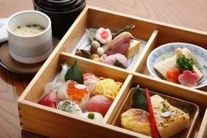 この値段と質で「お弁当」だと? 日本の最高級駅弁に驚愕=中国メディア