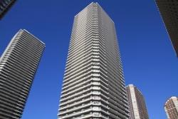 まさに奇跡としか・・・幼児がマンション15階から地面に転落も、軽傷ですむ=中国