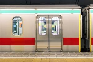 日本人の人間関係の距離感が分からない?「電車内の冷ややかさ」=中国報道