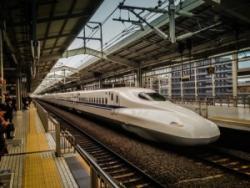 新幹線は中国高速鉄道より優れているのか? 中国人たちが議論