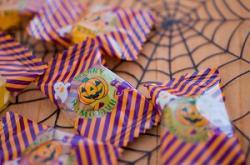 なぜ中国人は日本まで来て「お菓子」をたくさん購入するのか=中国メディア