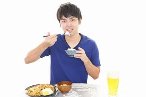 日本も中国も「箸を使って食事をする」が、テーブルマナーは結構違う=中国メディア