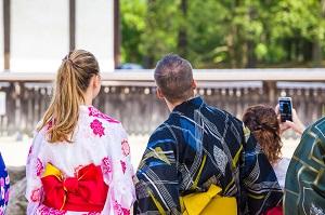 日本を訪れて腹が立つこと、中国語で「触るな」、「持ち込むな」などの注意書き=中国メディア