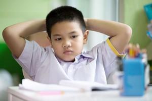 宿題漬けの中国の子どもたち、保護者の3/4が「家庭教育が改善必要」と回答=中国メディア