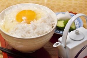 生卵をご飯にかけて食べるなんて! 日本人は想像を超えている=中国メディア