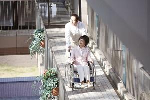 車いすの母と日本を訪れた香港人が「深く感心し、感動した」と語った理由=中国メディア