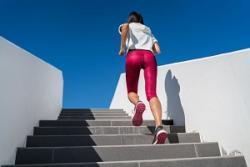 「垂直マラソン」が熱い! 中国の都市部で大人気の理由とは?=中国メディア