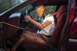 「日系車は安全性高いから!」 自動車の安全は「手で押して凹むか」では判断できない=中国