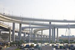 高速鉄道だけでなく、道路も整備して欲しい・・・日本と比べると差は一目瞭然=中国メディア