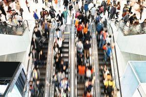 どうして日本人はこんなにエスカレーターを歩きたがる? =中国メディア