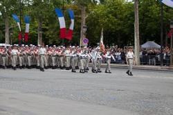 自衛隊が仏革命記念軍事パレードに参加、韓国メディアが「旭日旗を掲げた」に噛み付く=中国メディア