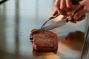 1枚2万円? 高すぎると思った日本の牛肉、焼く様子を見てすべてを悟った!=中国メディア