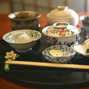 世の中は何故「日本料理は中華料理よりランクが高い」とみなすのか