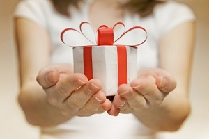 なんだって? 日本では贈り物を拒絶するとき、受け取ったうえで倍返しするの? =中国メディア
