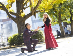 金持ちの中国男性が金髪美女にプロポーズも「玉砕」して大暴れ、中国ネットで批判集まる