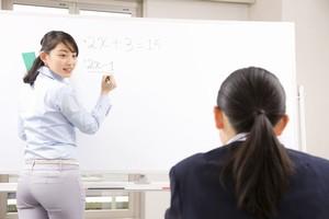 日本の教師はなぜ「有償での補習授業も行わず、袖の下も受け取らないの?」=中国報道