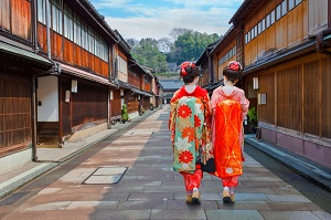 日本で芸妓さんを見て驚き、写真を撮ろうとしたら「また驚き」=中国メディア