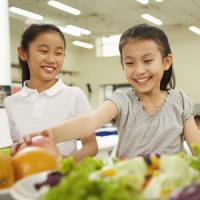 中国の大学生の食事マナーは日本の小学生にすら劣る! 日本の小学校の給食に衝撃=中国報道