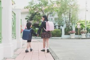 日本と中国の小学生が持つカバンの中身は「こんなにも違っていた!」=中国報道