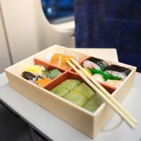 日本の駅弁は「乗客に楽しみ」を与える、中国の「飢えをしのぐだけ」の弁当との違い=中国報道
