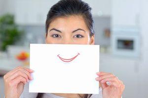 日本で遭遇する、「心から笑っていない笑い」について語る=中国メディア
