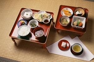 日本の食べ物はおいしいが、日本式に食べようとするとかなり疲れる=中国メディア