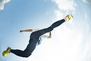走り幅跳びで、日本人選手がものすごい記録を出した!=中国メディア