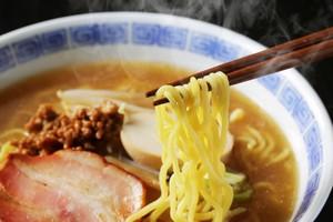 日本の「ラーメンライス」に、中国のおばちゃんが「賢いな」と思った理由