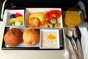 高額な代金を支払うに値する!日本の航空会社の機内食は世界一流=中国メディア