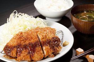 とんかつ、から揚げ、エビフライ・・・日本料理は淡白? 無知すぎるぞ!と中国メディア、一方で反論も