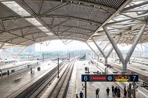 中国高速鉄道で「ドタバタ劇」、乗り遅れそうになった乗客が発車妨害=中国