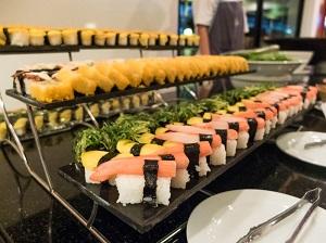 日本のバイキング料理を食べる中国人を見て、店主が喜んでいる!? それはなぜ?=中国メディア