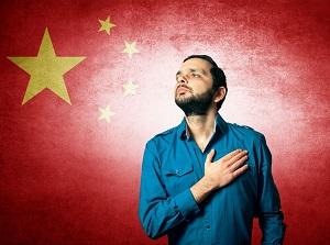 首をかしげる日本人「どうして中国人は、不満があると国歌を歌いだすのか=中国メディア」