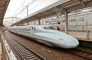 新幹線に乗車して、中国高速鉄道との違いに気づいた「それはタバコだ」=中国メディア