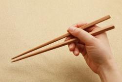 日本人に「箸は日本人が発明したもの」と言われて衝撃を覚えた=中国メディア